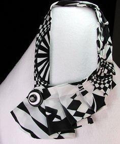 upcycled vintage men's tie necklace in Black and von prariedon
