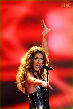 Celine Dion @ World Music Awards 2007 Celine Dion, World Music Awards, Female Singers, Her Music, Queen, Madonna, Love Her, Wonder Woman, Celebs