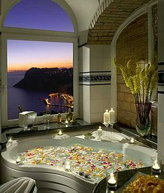 On a cliff 1000 feet above the sea, the luxury Hotel Caesar Augustus offers one of the most spectacular vistas to be found on the isle of Capri! Romantic Bathrooms, Dream Bathrooms, Beautiful Bathrooms, Luxury Bathrooms, Hotel Bathrooms, Fancy Bathrooms, Glamorous Bathroom, Luxury Bathtub, Bathrooms Decor