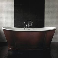 Radison Cuero Badekar, Støbejern/Læder - Badekaret måler 1700 x 680 mm | Bredt udvalg af badekar kan købes billigt online hos VillaHus.com