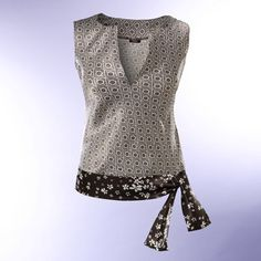 Blusa con cinto Instructions, in Spanish, for this ultra-cute top. I love the combination she's Blouse Patterns, Clothing Patterns, Sewing Blouses, Diy Kleidung, Diy Vetement, Make Your Own Clothes, Shirt Bluse, Creation Couture, Couture Sewing