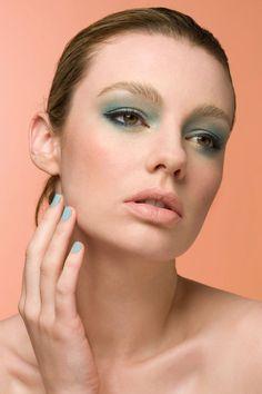 aqua & coral makeup