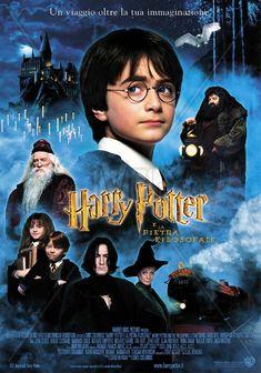 HARRY POTTER E LA PIETRA FILOSOFALE - film del 2001 diretto da Chris Columbus distribuito dalla major Warner Bros.[4], adattamento cinematografico dell'omonimo libro, primo episodio della serie di Harry Potter, scritta dall'autrice britannica J. K. Rowling, sceneggiato da Steven Kloves e prodotto da David Heyman.