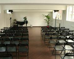 L'Auditorium di Ottava Nota è uno spazio polifunzionale in cui esercitare l'arte comunicativa ad ampio raggio, attraverso incontri, spettacoli, mostre, eventi, concerti, conferenze. Venite a trovarci, visitate il nostro sito http://www.ottavanota.org/ o scrivete alla mail eventi@ottavanota.org
