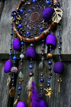 purple, the perfect color for a dream catcher. Purple Love, All Things Purple, Shades Of Purple, Purple Stuff, Purple Swag, Dreams Catcher, Los Dreamcatchers, Mundo Hippie, Creation Deco