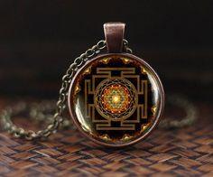 Mandala le bouddhisme bouddhiste Collier Bijoux sacr/é G/éom/étrie Collier collier de m/éditation collier bouddhiste Dharma Roue Collier un superbe Cadeau.