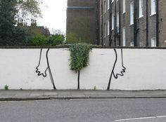BANKSY AGAIN....  Banksy, o artista britânico mais misteriosos do mundo, acaba de publicar em seu site, suas últimas obras! Chamados de The Bush piece, I Hate This Font artwork e the Paper Crane, os desenhos, provavelmente espalhados por Londres, mostram grafites simples, como as partes íntimas de uma mulher, usando como base, um arranjo de plantas, um mapa e até, uma garça feita de origamis.