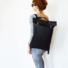 Nizzo | 17″ Minimalistic Leather Backpack / Leather Rucksack/ Black