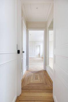 Home Interior Design .Home Interior Design Style At Home, Style Blog, Planchers En Chevrons, Interior Architecture, Interior And Exterior, Diy Interior, Types Of Flooring, Wood Flooring, Hardwood Floors