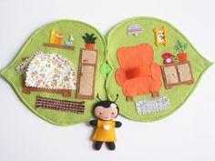 Hanka hangya levélkuckója- játszókönyvecske, Baba-mama-gyerek, Játék, Baba, babaház, Készségfejlesztő játék, Meska Felt Doll House, Quiet Book Templates, Felt Quiet Books, Felt Patterns, Crafts For Kids To Make, Toy Craft, Handmade Felt, Felt Christmas, Felt Crafts