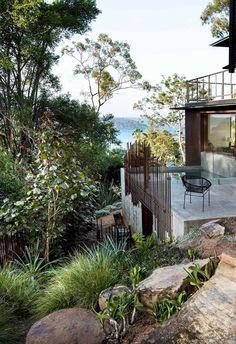 Urban Garden Design A coastal hilltop garden that embraces Australian natives Coastal Gardens, Beach Gardens, Outdoor Gardens, Australian Garden Design, Australian Native Garden, Cabana, Bush Garden, Front Yard Landscaping, Landscaping Ideas
