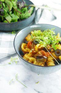 Pasta with roasted veggie ragu - Pasta met geroosterde groentenragu