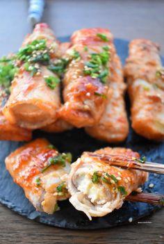 切った厚揚げに豚バラ肉を巻いて大好きなスイチリで味付けしたレシピ♡ 豚バラと厚揚げの旨味のハーモニーがスイチリにむっちゃ合います♡ 食べたら病みつき間違いなし!(笑) 味が絡むように小麦粉をふるうのでお弁当のおかずにも♡ Pork Recipes, Chicken Recipes, Healthy Recipes, Easy Cooking, Cooking Recipes, Korean Beef, Home Food, Recipes From Heaven, Japanese Food