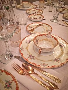 Nana's China used for Thanksgiving dinner 2015  http://robinsoncottagecollection.blogspot.com