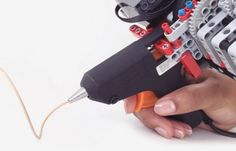 Lego And Glue Gun Transformed Into 3D Printing Pen (video)