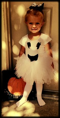 Super Scary Halloween Costumes for Little Girls - Ghost Halloween Bebes, Toddler Girl Halloween, Baby Girl Halloween Costumes, Toddler Costumes, Halloween Movies, Toddler Ballerina Costume, Girl Toddler, Halloween Stuff, Halloween Halloween