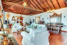 Villa La Rambla, La Rambla – rezervujte se zárukou nejlepší ceny! 39 fotografií. Villa, Loft, Bed, Furniture, Home Decor, Decoration Home, Stream Bed, Room Decor, Lofts