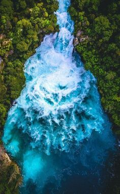 Huka Falls New Zealand #waterfall #newzealand #NZMustDo #landscape #beautiful #nature #naturephotography #nature #photography #new #zealand