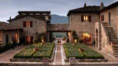 dream house The luxury estate of Castello di Reschio in Umbria, Italy has been restored from secluded ancient farmhouses to contemporary guest houses. Stretching over thousands of acres of Italian Farmhouse, Casa Patio, Romantic Escapes, Romantic Getaways, Italian Villa, Italian Courtyard, Italian Style, Luxury Estate, Mediterranean Homes