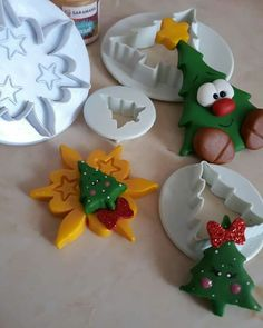 Christmas Cake Designs, Christmas Cupcakes, Polymer Clay Christmas, Christmas Crafts, Christmas Ornaments, Pasta Flexible, Polymer Clay Projects, Cold Porcelain, Clay Creations
