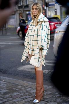 The Best Street Style Of Paris Fashion Week – Style Inspiration – styling Street Style Edgy, Cool Street Fashion, Street Style Women, Look Fashion, Paris Fashion, Autumn Fashion, Fashion Spring, Cap Outfits For Women, Trendy Outfits
