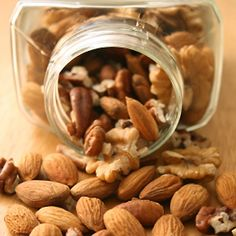 Nuts, berries, yogurt and more can be on the tasty and varied rheumatoid arthritis snacking menu.