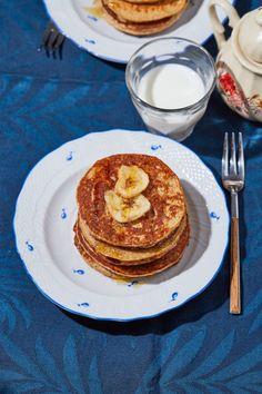 Banános zabpalacsinta laktózmentesen recept | Street Kitchen Gnocchi, Tofu, Guacamole, French Toast, Pancakes, Food And Drink, Vegan, Breakfast, Foods