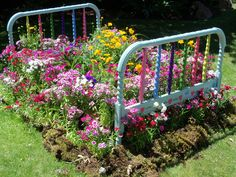 Flower bed | This is adorable! | I wonder what my neighbors would say if I put this in my front yard?
