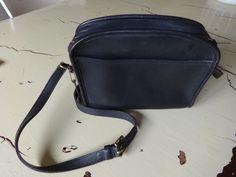 571951e670 Vintage Coach Metropolis Classic Zip Black Leather Crossbody Bag 9087  Coach   MessengerCrossBody Black Leather