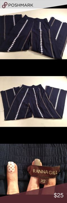 Anthropologie Palazzo pants Worn once size XS Darlington Palazzo Pants Ranna Gill Navy Cotton/rayon blend relaxed pull on style Wide legs and my favorite! pockets Incredibly flattering vertical stripes in varying widths Excellent, like new condition Anthropologie Pants Wide Leg