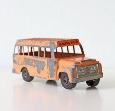 Vintage School Bus by Hubley USA by bellalulu on Etsy