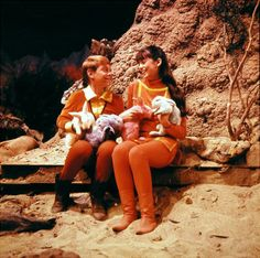 Will Robinson (Billy Mumy) and Penny Robinson (Angela Cartwright) from Lost in Space. I love the multi-colour bunnies!