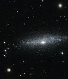 Hubble's Glitter galaxy: The ESO 318-13 galaxy
