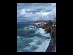 Ondas Do Mar Quebrando Na Costa - Beirute, Líbano.