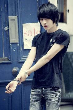Lee Chi Hoon uploaded by ulltimate on We Heart It Beautiful Boys, Pretty Boys, Male Clothes, Asian Men Fashion, Emo Boys, Ulzzang Fashion, Ulzzang Boy, Korean Men, Best Face Products