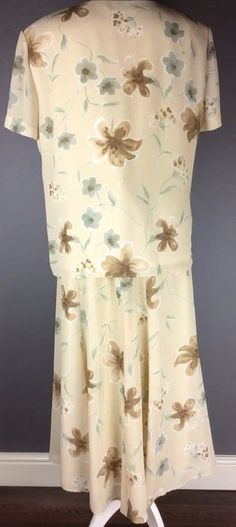 jacques vert Uk 18 Top & Skirt Outfit Mother Of The Bride Floral Print Vgc Formal Wedding, Skirt Outfits, Mother Of The Bride, 18th, Floral Prints, Short Sleeve Dresses, Amp, Skirts, Clothes