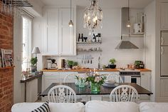 My Little Dream Home lots of details to love. Small Space Kitchen, Open Plan Kitchen, Small Space Living, Small Spaces, Kitchen Living, Kitchen Decor, Eclectic Kitchen, Studio Kitchen, Scandinavian Kitchen