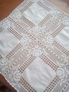 Exceptional Stitches Make a Crochet Hat Ideas. Extraordinary Stitches Make a Crochet Hat Ideas. Filet Crochet, Crochet Borders, Thread Crochet, Crochet Stitches, Crochet Table Runner, Crochet Tablecloth, Crochet Doilies, Diy Crafts Crochet, Crochet Home
