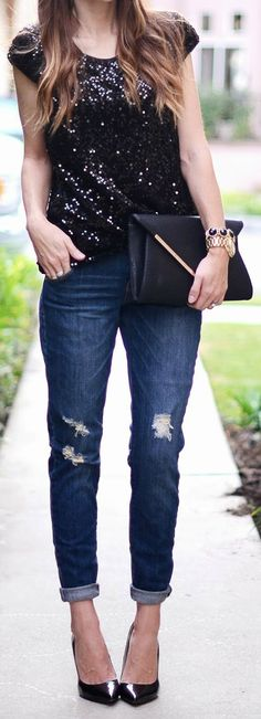Black Sequins + Distressed Denim Very cute! Love the dress, love the look, love the outfit! Clothes Casual Outift for Distressed Denim, Black Denim, Black Leather, Casual Holiday Outfits, Cute Outfits, Heels Outfits, Mode Style, Style Me, Fashion Clothes