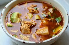 Sopa Azteca - almost exactly the same as the Caldo Tlapeño I posted before, but with a much better picture! Salvadoran Food, Recetas Salvadorenas, Good Food, Yummy Food, Winter Soups, Latin Food, Recipe For Mom, International Recipes, Soup And Salad