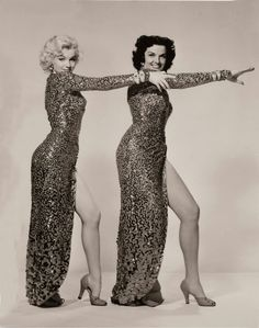Marilyn Monroe and Jane Russell for Gentlemen Prefer Blondes, 1953 Golden Age Of Hollywood, Vintage Hollywood, Hollywood Glamour, Hollywood Stars, Classic Hollywood, Jane Russell, Gentlemen Prefer Blondes, Tony Curtis, Lauren Bacall