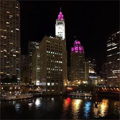 Today I really felt winter has started ... gusty wind, dry cold and slow walk to home :) #WrigleyBuilding #Chicago #Cold #November #Night #MichiganAve #MagnificentMiles #Pretty #Colors #ChicagoRiver #Water #Reflection #GoodNight
