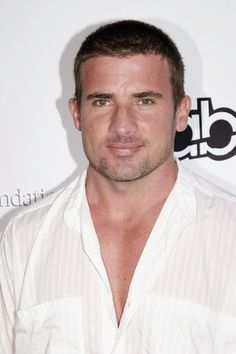 Dominic Purcell Photos Photos - Dominic Purcell attends The Surfrider Foundation's 20th Anniversary Gala at Sony Pictures Studios on June 17, 2004 in Culver City, California. - The Surfrider Foundation's 20th Anniversary Gala - Arrivals