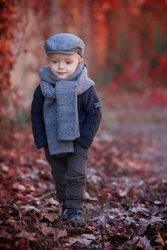 Baby Outfits For Girls Winter Infants For Kids 36 Trendy Ideas Baby Boy Dress, Baby Boy Outfits, Kids Outfits, Cute Kids Photography, Boy Photography Poses, Winter Kids, Baby Winter, Precious Children, Beautiful Children