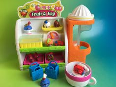 SHOPKINS EASY SQUEEZY FRUIT & VEG STAND