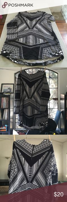 H&M long sleeve dress Black and white tunic style dress. Tribal print. Long sleeve. H&M Dresses Midi