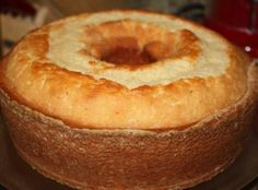 Old School Butter Pound Cake I am not really a dessert type of girl, BUT there are two cakes that I can eat all day. Yes, butter pound cake is one of them. This recipe will deliver a rich and moist cake. I am sure your taste buds will thank you. Desserts Nutella, Just Desserts, Delicious Desserts, Dessert Recipes, Old School Desserts, Dinner Recipes, Gourmet Desserts, Strawberry Desserts, Plated Desserts
