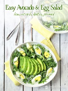 Simple low-carb and keto salad made with avocado, eggs and crispy greens , all drizzled with a creamy sour cream dressing. Veggie Keto, Vegetarian Keto, Egg Recipes, Diet Recipes, Tilapia Recipes, Salad Recipes, Cetogenic Diet, Avocado Egg Salad, Keto Cheesecake