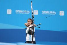 La atleta Regina Romero en su prueba individual arco recurvo en Tiro con Arco.