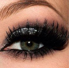Silver glitter eyeshadow #smokey #dark #glitter #bold #eye #makeup #eyes